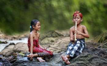 ბავშვების უდარდელი სულის სილამაზე კადრში