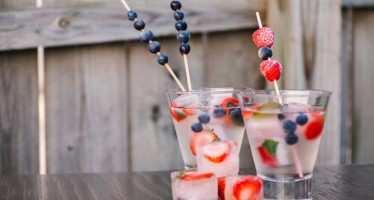 როგორ გავაგრილოთ სასმელი სწრაფად და მარტივად (ვიდეო)