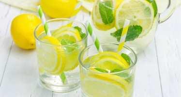 ლიმონიანი წყალი — იდეალური სასმელი თქვენი ორგანიზმისთვის