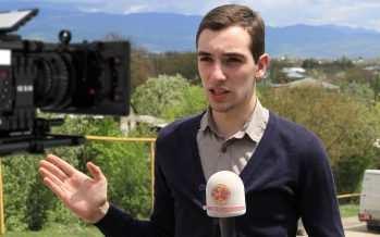ტელევიზიაზე უზომოდ შეყვარებული ყველაზე პატარა ჟურნალისტი აკადემიური გადაცემით
