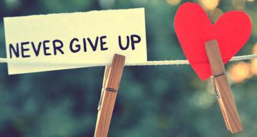 """""""არ დანებდე მაშინაც კი როცა ყველა და ყველაფერი ამისკენ გიბიძგებს"""""""