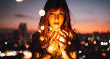 გახსოვდეთ სიყვარული მოქმედებაა და თუ არც ერთი არ მოქმედებთ დაიწყეთ პირველმა