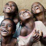 რაში და როგორ გვეხმარება სიცილი